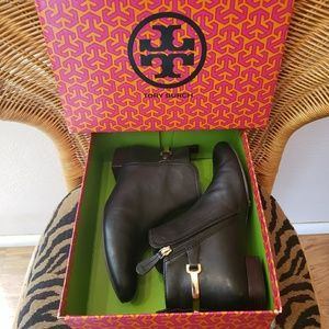 Tory Burch ankle boot shoe equestrian